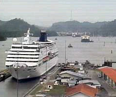 Ship entering the Miraflores lock